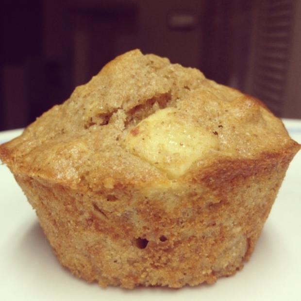 Super moist, healthy apple cinnamon muffins | FindingTimeForCooking