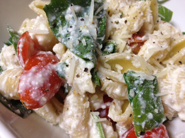 Pasta With Fresh Spinach, Tomatoes And Roasted Garlic Recipes ...