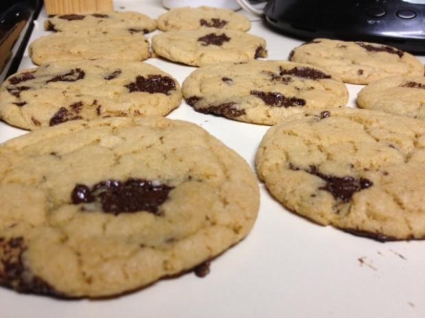 whole wheat dark chocolate cookies baked