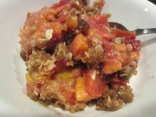 peach cardamom crisp finished closeup2