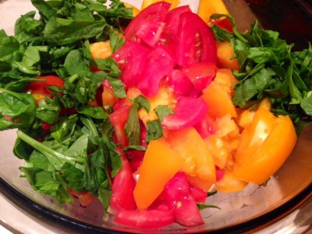 heirloom tomato & mozzarella salad basil