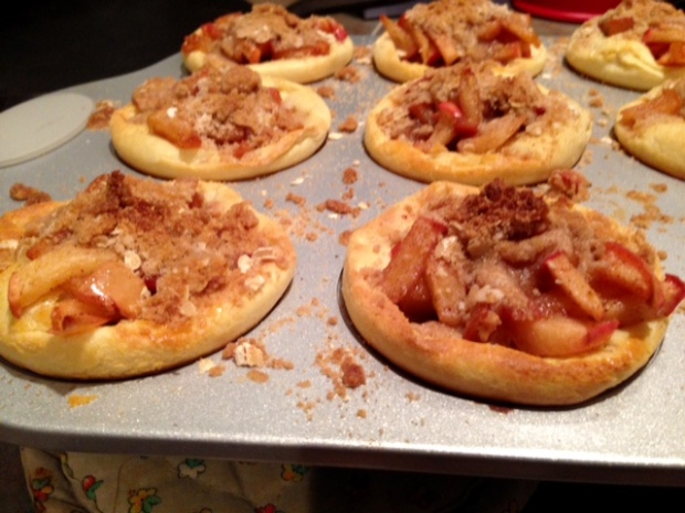 Apple Pie German Pancake Bowls