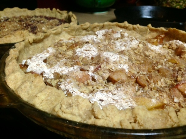 Pear-Apple Pie with Streusel
