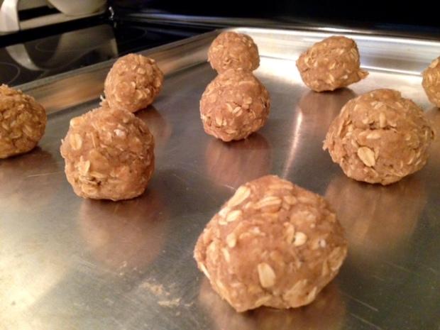 oatmeal cinnamon cookies dough balls