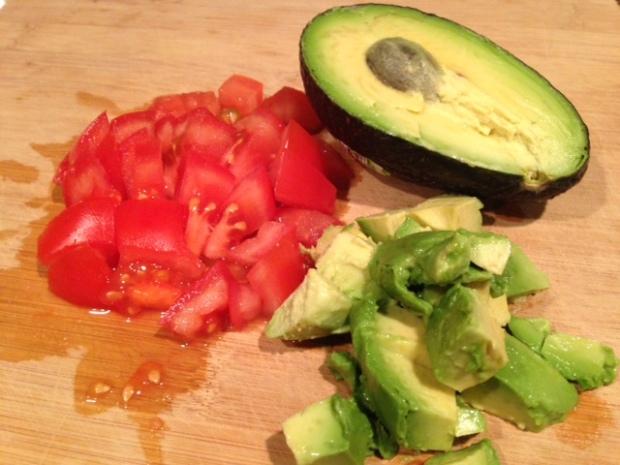 chicken nachos tomato avocado