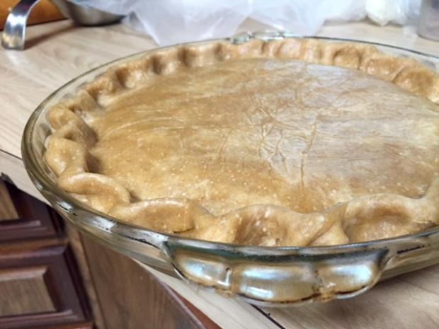 peach rhubarb pie dough sealed & crimped